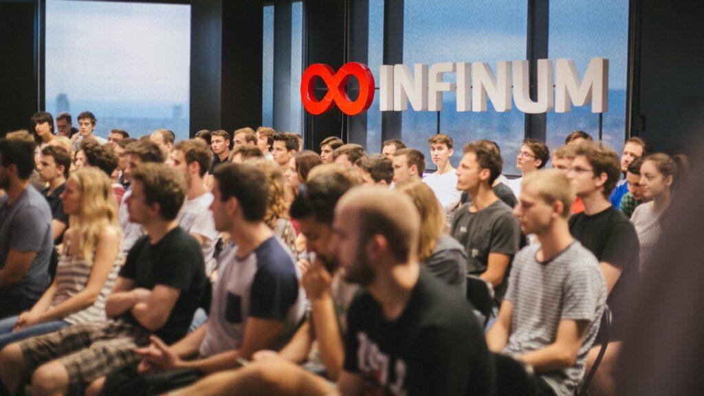 Besplatni tečaj izrade web i mobilnih aplikacija koji vode stručnjaci iz Infinuma i Porsche Digital Croatia